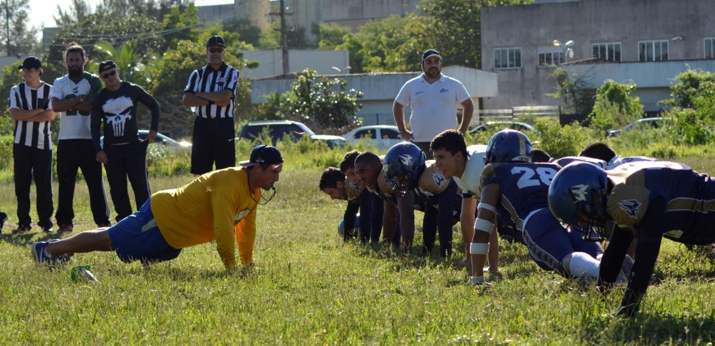 Ex Nfl Participa De Training Camp Com Times Cearenses